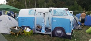 Festival Gadgets Campingplatz Zelt VW Bus