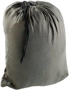 Hängematte aus Fallschirmseide mit Moskitonetz für Festivals verpackt