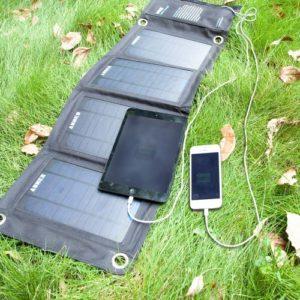 Test solar Ladegerät faltbar für Smartphone und Tablet