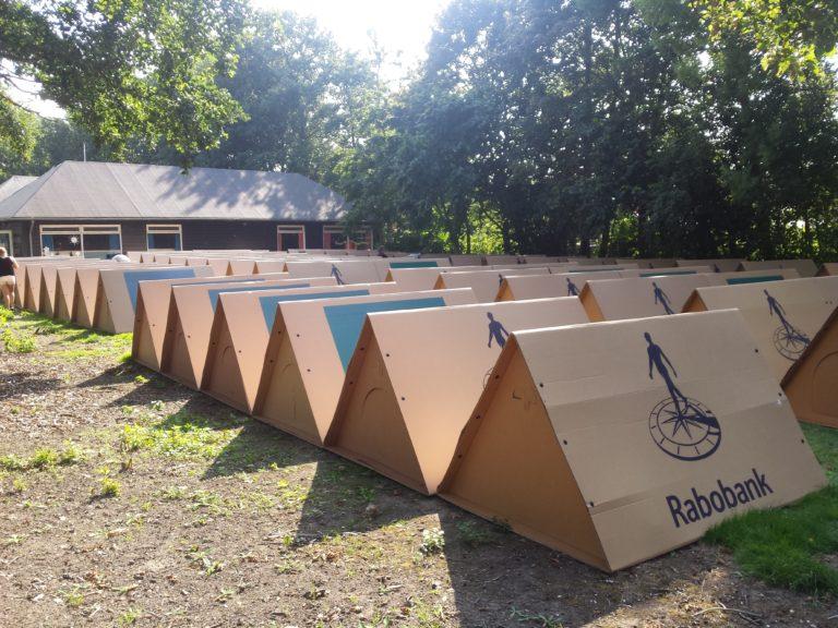 KarTent Zelt aus Karton Einsatz Rabobank