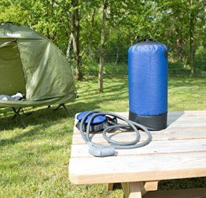 Campingdusche mit Schlauch, Duschkopf und Fußpumpe