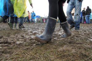 Festival Gadgets - Regenbekleidung Gummistiefel