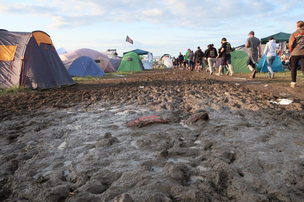Festival Gadgets - Schlamm nach Unwetter